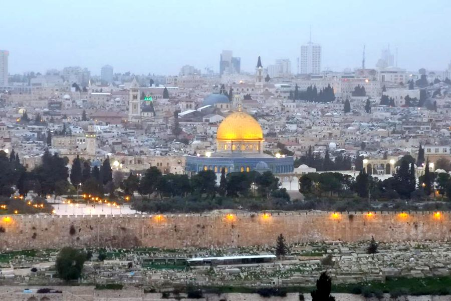 Jeruzsálem az Olajfák-hegyéről